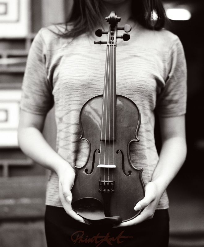 Frau / Geige Musikinstrumente
