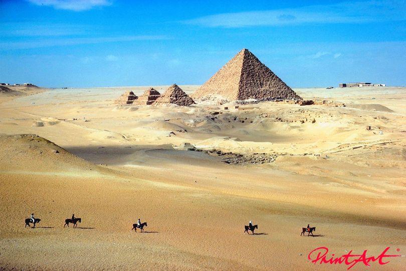 Reiter vor Pyramiden Pferde
