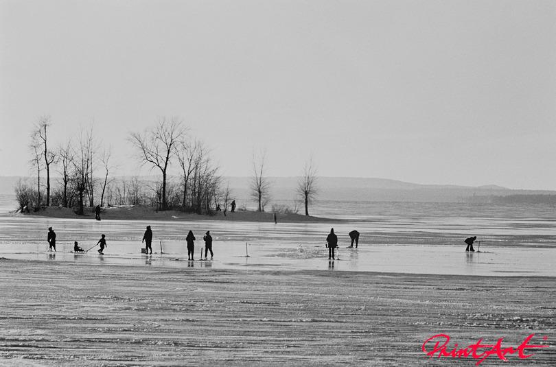 Menschen an Eisstrand Strände