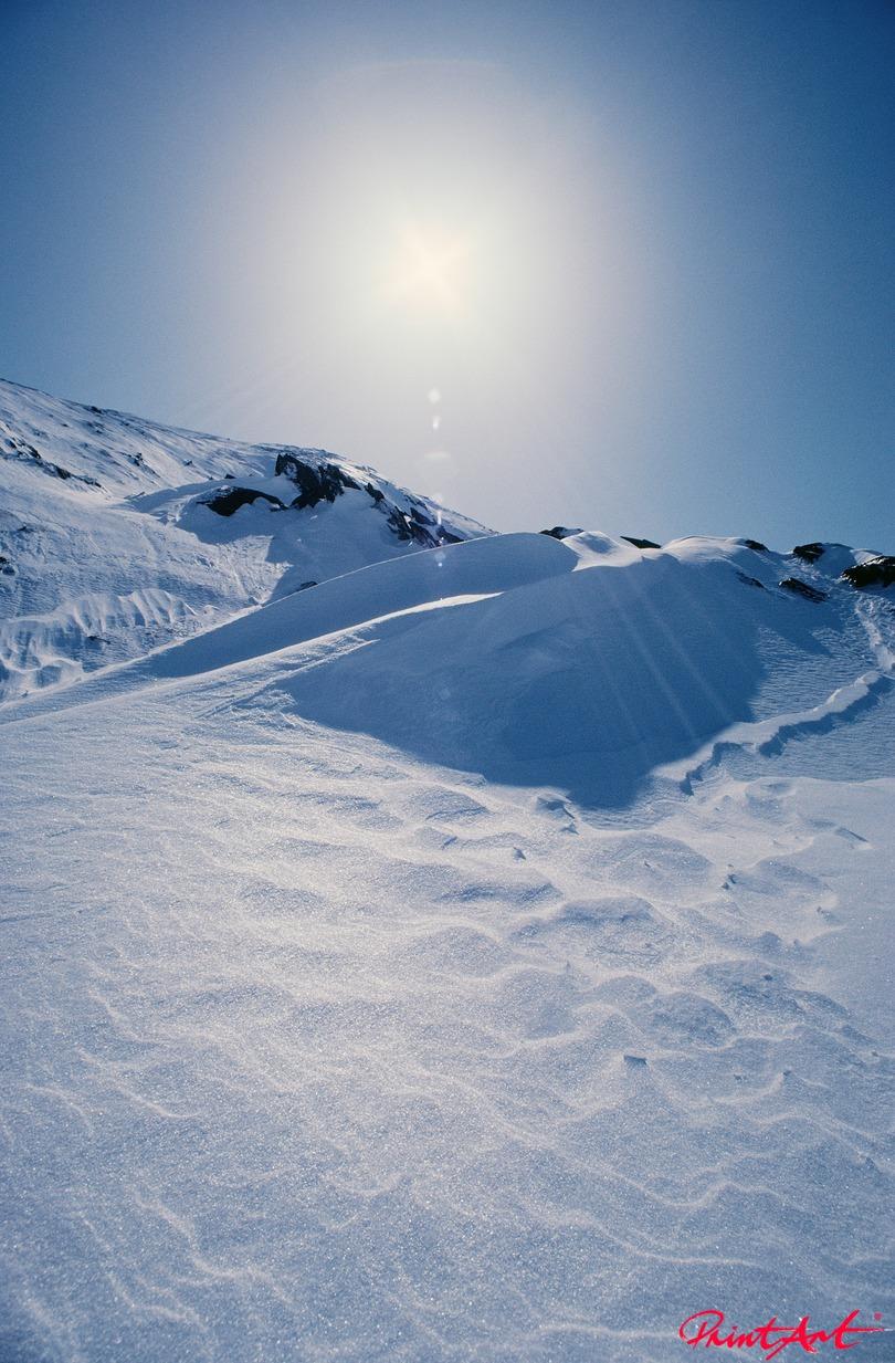 in Schnee getaucht Berge