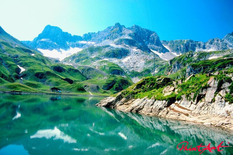 spiegelnder Bergsee Berge