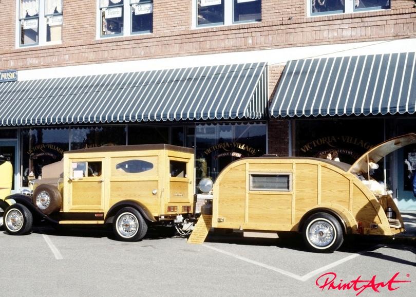 Oldtimer mit Wohnwagen Trucks